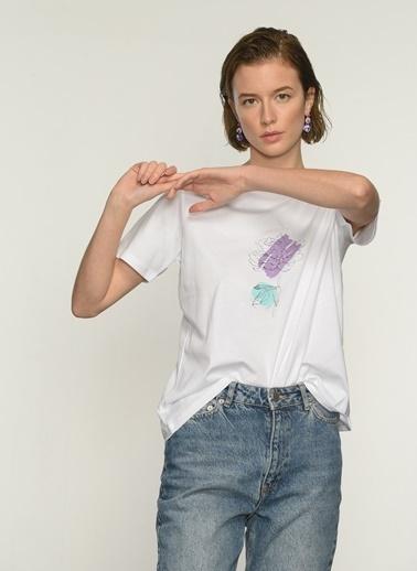 People By Fabrika PFKAW21TS0016 Çicek Baskılı Tişört Beyaz